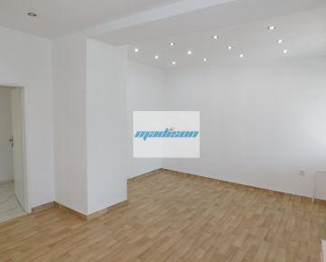 Nevädzová ul. - zaujímavý kancelársky členený priestor vo výbornej lokalite, zrekonštruovaná celá budova