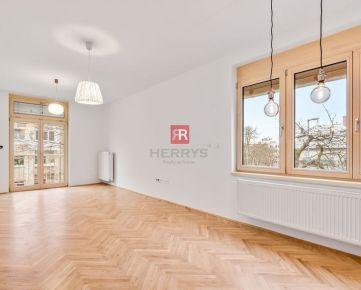 HERRYS - Na predaj nadštandardne kompletne zrekonštruovaný a priestranný 3izbový byt v Starom meste