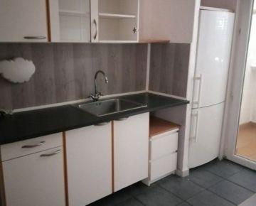 3 izbový byt s balkónom na ulici Jasovská