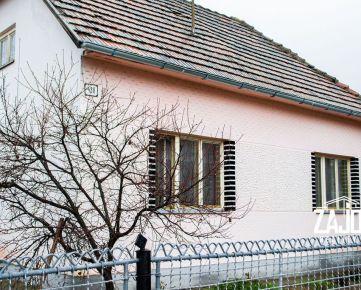 Na predaj starší rodinny dom s väčším pozemkom 830 m2 v Drietome
