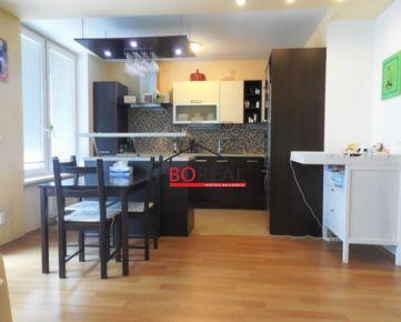 ** RK BOREAL ** Veľký 3izb. byt s loggiou, 94 m2, (**dvoj garáž**), bytový komplex RETRO, Nevädzova ul., BA II.