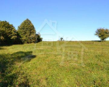 Pozemok s výhľadom na okraji obce pri Svidníku (28á)