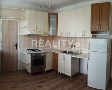 Prenájom nezariadený zrekonštruovaný 3 izbový byt Nitra - lokalita Klokočina