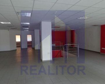 Prenájom - obchodný priestor 160+75m2, Banská Bystrica, centrum.