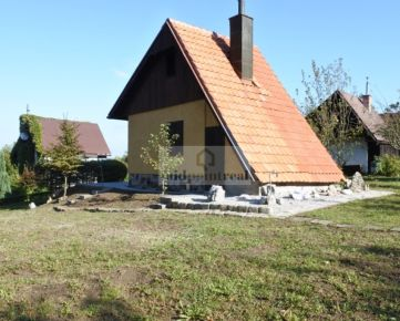 Midpointreal ponúka na predaj zrekonštruovanú chatu v obci Sološnica