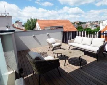 PREDAJ - luxusný mezonet v centre mesta, terasa s výhľadom, BA I