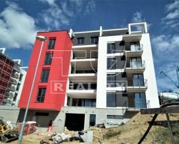 POSLEDNÉ! 3 izbové byty s terasou alebo balkónom, Horská ul., od 96 m2. CENA: 196 645,00 EUR