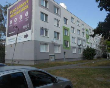 Dražba 3 - izbového bytu v okresnom meste Komárno.