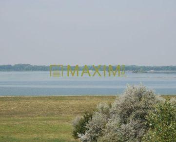 PREDAJ-veľký pozemok v obci Hamuliakovo