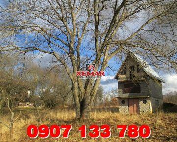 Predaj- záhradná chata s vinnou pivnicou v Ružinej.