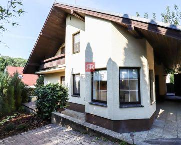 HERRYS - Na prenájom pekný dvojpodlažný 5 izbový rodinný dom pri Horskom parku, dvojgaráž