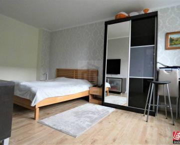Direct Real - Kompletne zrekonštruovaný 1,5 izbový byt vo Veľkej Pake