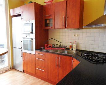 ** VÝHODNÁ PONUKA ** Veľký 4izb. byt 86 m2 s loggiou, Bzovícka ul, Petržalka - BA V ** RK BOREAL **