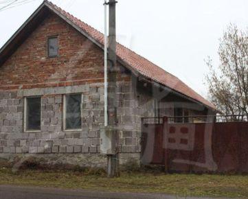 Dom vhodný na rekonštrukciu – Očová