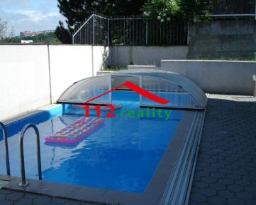 Na prenájom priestranný 8 izbový rodinný dom s bazénom, záhradou, 2 garážami, Bratislava I, Staré mesto