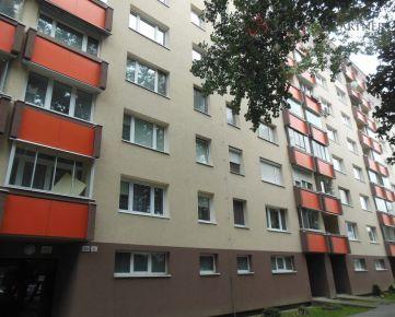 2 izbový byt na predaj v Ružinove na Jašíkovej ulici.