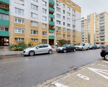 Hľadám veľmi súrne pre klienta 2 izb. byt v Ba II- Vrakuňa, Podunajské Biskupice