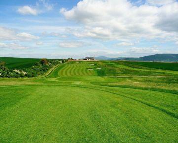 SP Lužianky, priamo na golfovom ihrisku,  781 m2, všetky IS, cena 110 EUR/m2 s DPH