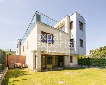 Krásny, moderný 5i dom, 150m2, zariadený, so záhradou a parkovaním