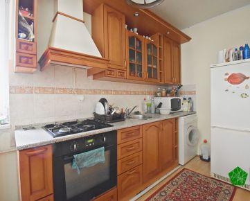 Priestranný zariadený vynovený 2 izbový byt, BA I. Staré Mesto, Svetlá ulica