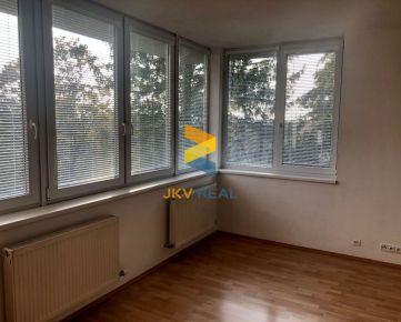 JKV Real ponúka na predaj slnečný 2i byt neďaleko kaštieľa v Stupave