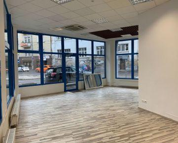 Obchodno - prevádzkové priestory s výkladom na výbornom mieste v centre BA