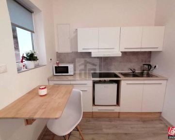 Direct Real - Na prenájom krásny, šikovný 2 izb. zariadený rodinný domček na Zobore!