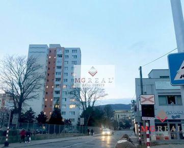Na predaj murovaný stánok 18,5m2 - Nové Mesto (pri Poluse)