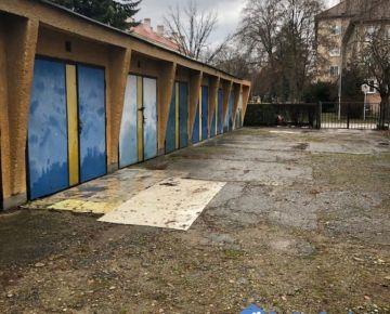 NA PREDAJ, garáž a záhradka, P. Bezruča, Trenčín
