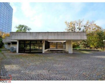 REZERVOVANÉ - Najlukratívnejšia budova s pozemkom v Bratislave – NA PREDAJ