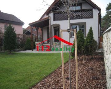 112reality - Na prenájom útulný 5 izbový dom s garážou a peknou záhradou, celý podpivničený, DEVÍN