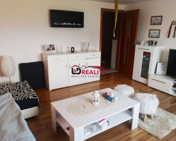Znížená cena ! Na predaj ponúkame čiastočne zrekonštruovaný rodinný dom V Detve časť Piešť