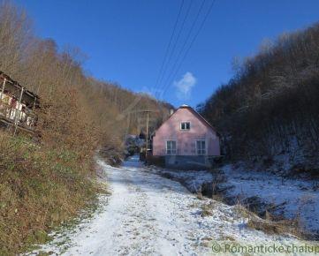 Dom po rekonštrukcii na polosamote s 7333m2 pozemkom