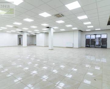 OBCHODNÝ PRIESTOR NA PRÍZEMÍ V NÁKUPNOM CENTRE URAL 325 m2