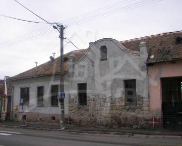 Starší rodinný dom blízko Lučenca