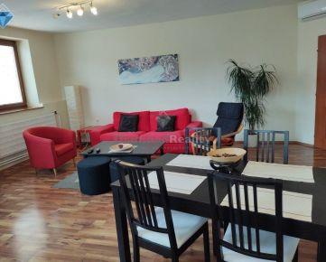 Na prenájom 3 izbový byt Nitra centrum 96 m2 aj s klímou