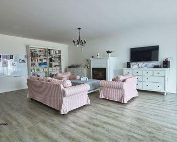 Rezervované 5 izbový bungalov s dvojgarážou, 3 kúpeľne, na peknom pozemku o rozlohe 602 m2, Pekné pole, Trnava