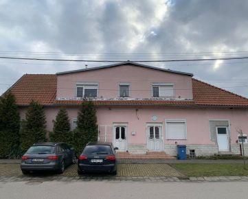 Rodinný dom Vysoká pri Morave - centrum obce