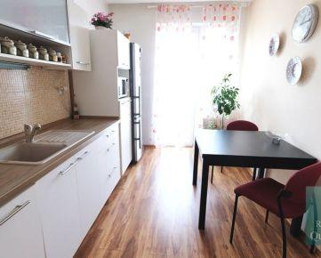 BRATISLAVA  lll - NA PREDAJ  2 izbový čiastočne zrekonštruovaný slnečný byt - Nobelova ulica