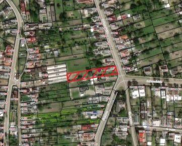 Rodinný dom s veľkým pozemkom (možné až 3 parcely) 1656 m2, Trebišov.