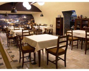 Prenajmem štýlovú 372 m2 plne funkčnú zariadenú reštauráciu aj s vybavením kuchyne