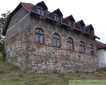 Dom s históriou pod Štiavnickými vrchmi v obci Bohunice