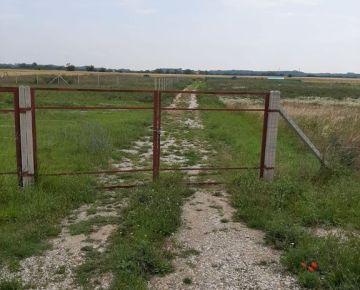 BOND REALITY - Na predaj zaujímavý pozemok v blízkosti Čunova.
