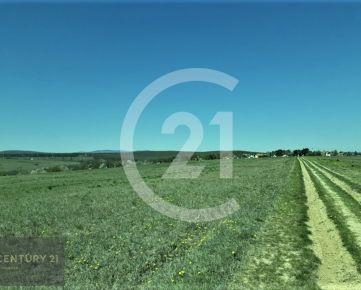 Exkluzívne - ZNÍŽENA CENA - pozemok v Lorinčíku, 6525 m2, orient na juh