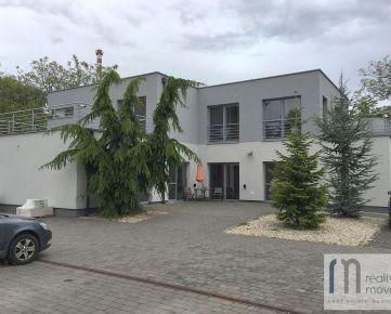 Budova vhodná ako sídlo spoločnosti na predaj – Hrobárska ul