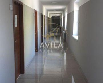 ***Na prenájom kancelár.priestory (3-kancelárie) 52m2 - Trnava