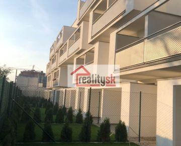 Na predaj 3-izbový slnečný byt s predzáhradkou v Devínskej Novej Vsi