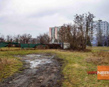Na predaj ponúkame  lukratívny pozemok  blízko rieky Laborec v Humennom