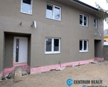Novostavba rodinného domu v žiadanej lokalite s terasou, parkovaním a záhradou