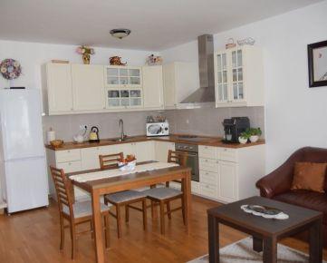 EXKLUZÍVNE ponúkame na prodaj 3-izbový byt u nás na Záhorí.
